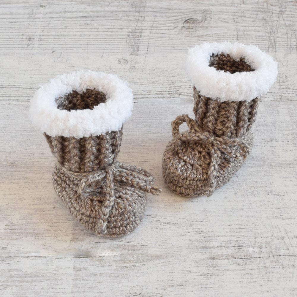 Buciki niemowlęce - kozaczki - ręcznie robione na szydełku - ALOM