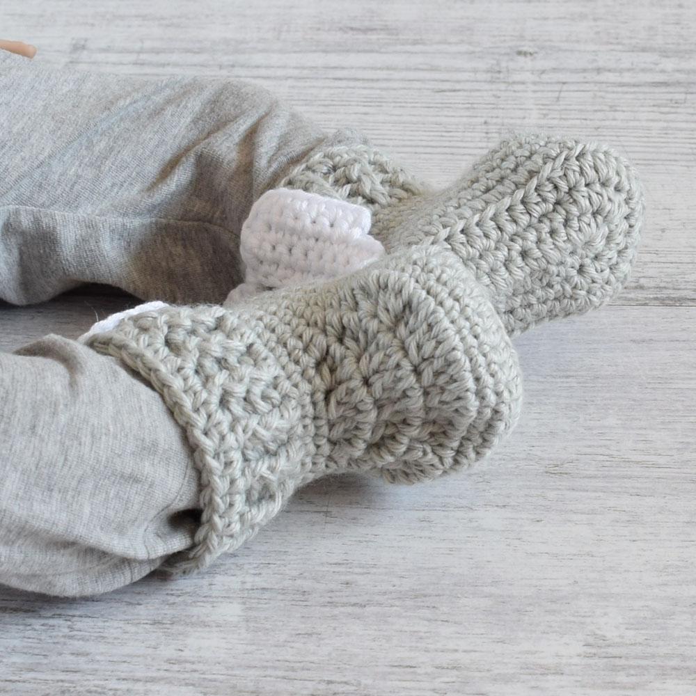 Szydełkowe buciki - kozaczki dla niemowlaka - niechodki - ALOM