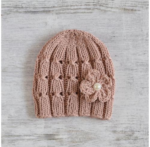 Ażurowa czapeczka z kwiatkiem - dla dziewczynki - róż - rękodzieło - wyprzedaż - ALOM