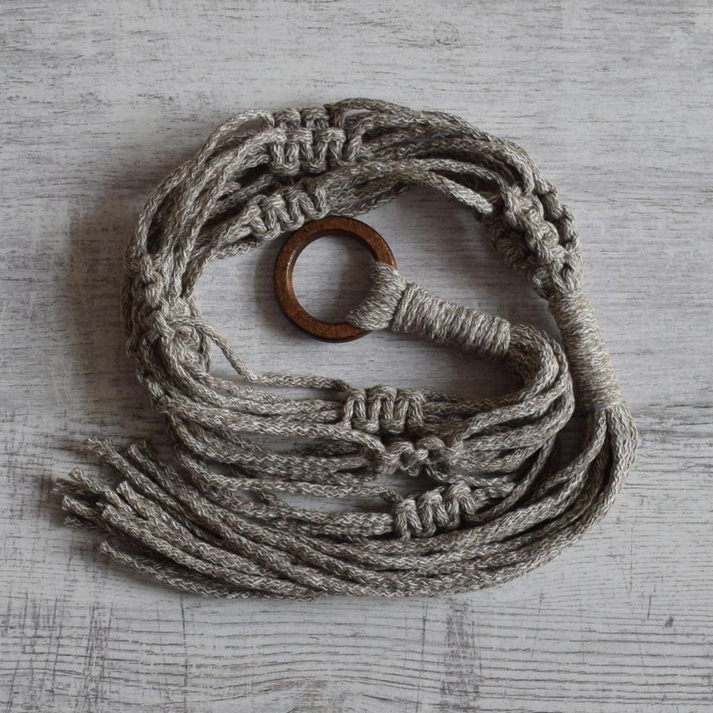 Makramowy kwietnik - wisząca ozdoba ze sznurka - na balkon, taras, do domu - ALOM