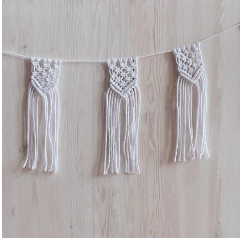 Girlanda ze sznurka - boho - makrama - dekoracja - biała - ALOM