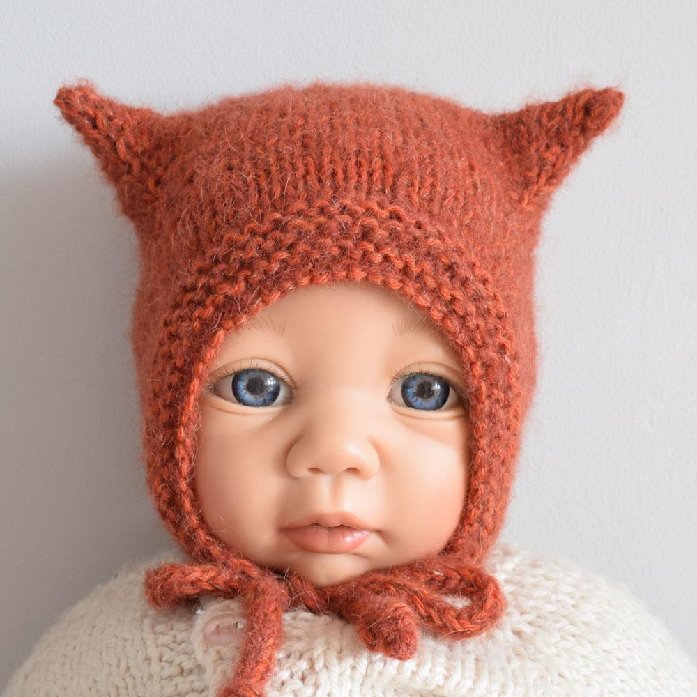 Czapeczka niemowlęca - z uszkami - wełniana - robiona na drutach - ALOM