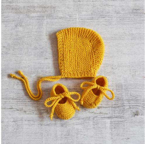 Czapka bonetka i buciki - komplet niemowlęcy - ALOM