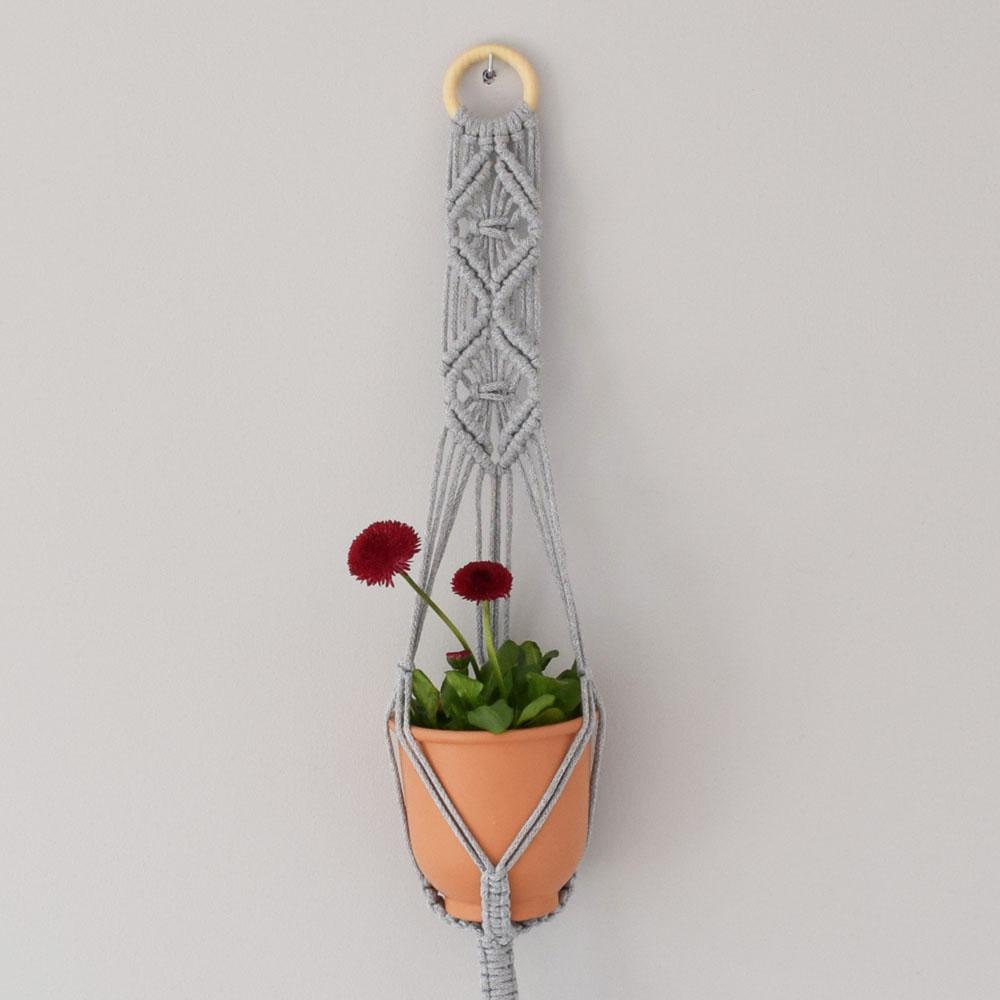 Mały kwietnik - pleciony ze sznurka - dekoracja boho - makrama - ALOM