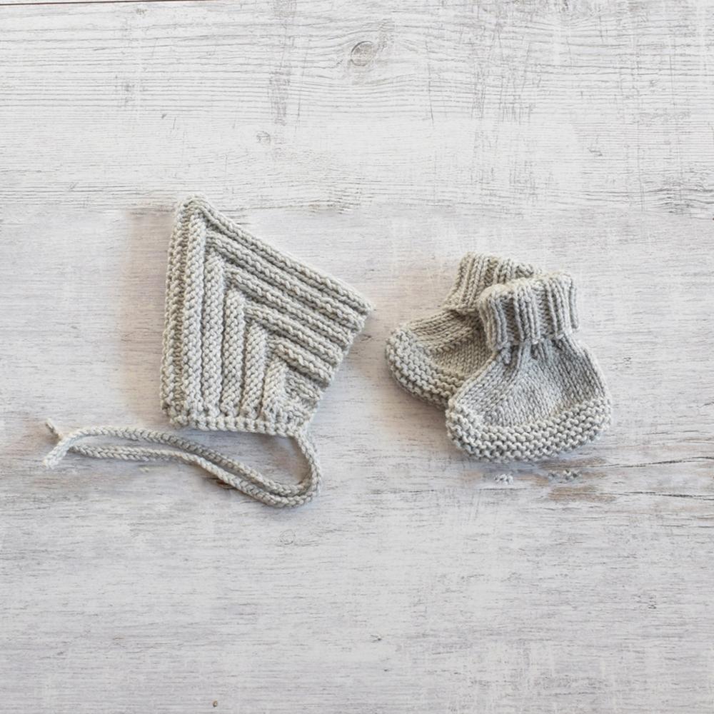 Czapka NILS i buciki LARS - komplet niemowlęcy - ALOM