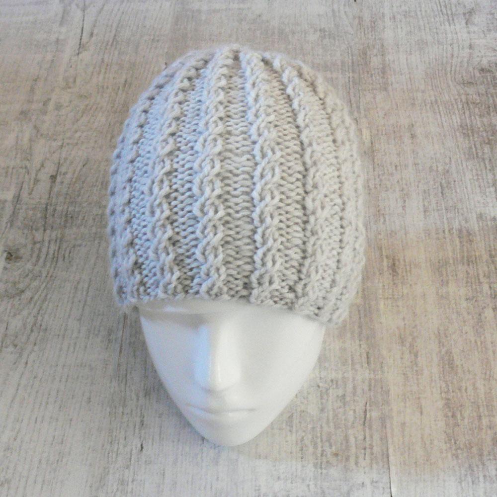 Damska czapka z warkoczami - handmade - ALOM
