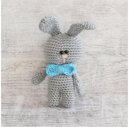 Pan Królik - szydełkowy króliczek - maskotka - handmade - ALOM