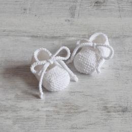 Buciki OLAF - akryl - białe - handmade - ALOM